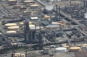 refinery-109023_640