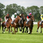 1024px-Horse-racing-1