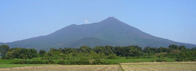 640px-Mt.Tsukuba