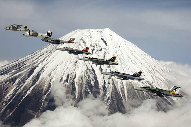 formation-flight-62887_640
