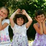 girls-946285_640