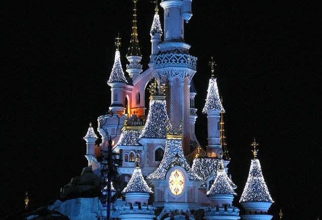 disney-castle-269763_640