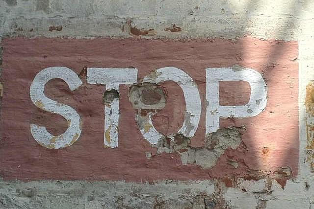 stop-351260_640