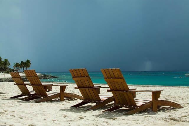 beach-chairs-494558_640