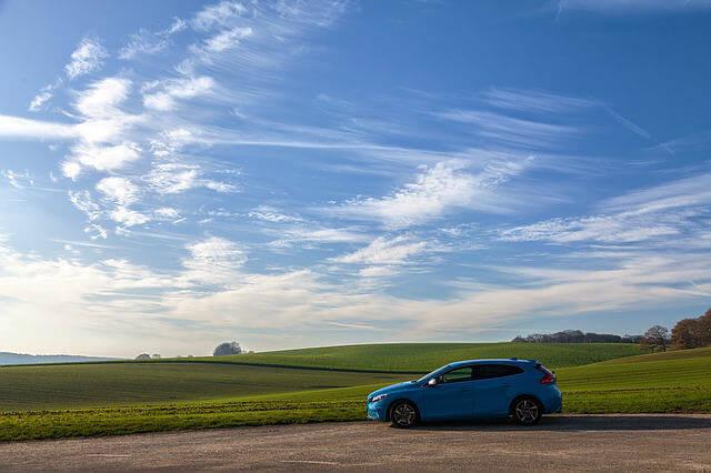 blue-car-1209666_640