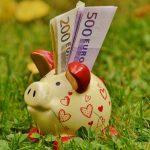 お金を貯める貯金箱